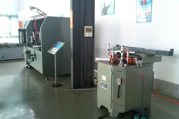 KT-333D Thermal-break Profile Corner Crimping Machine